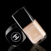 beige chanel nail polish