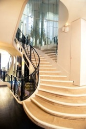 the famous staircase at 5 rue cambon